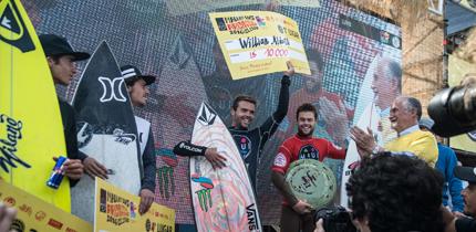 """Francés William Aliotti dominó """"El Gringo"""" y se quedó con el título del Maui And Sons Arica Pro"""