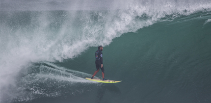 """Chilenos se posicionan en octavos de final del mundial de surf """"Maui And Sons Arica Pro"""""""